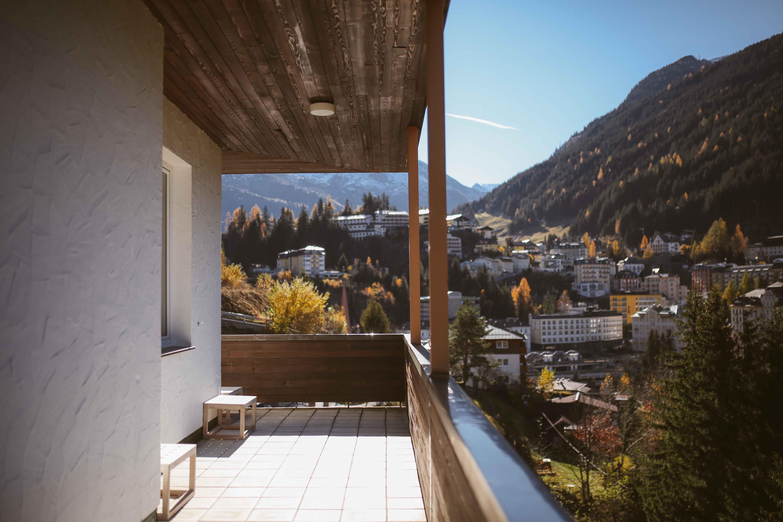 designhotel-miramonte-bad-gastein-outside-charlotte-stoffels-3